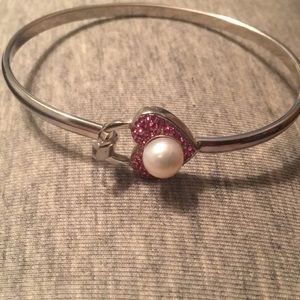 Vantel pearls heart bangle